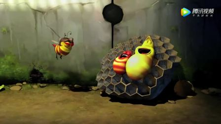 爆笑虫子,小黄偷吃蜂蜜,被蜜蜂爆蛰