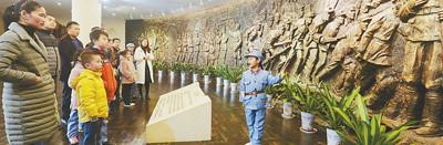 图片报道:金沙平台小红星讲解员讲述长征故事