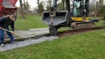 挖掘机浇筑混凝土石子的吊桶