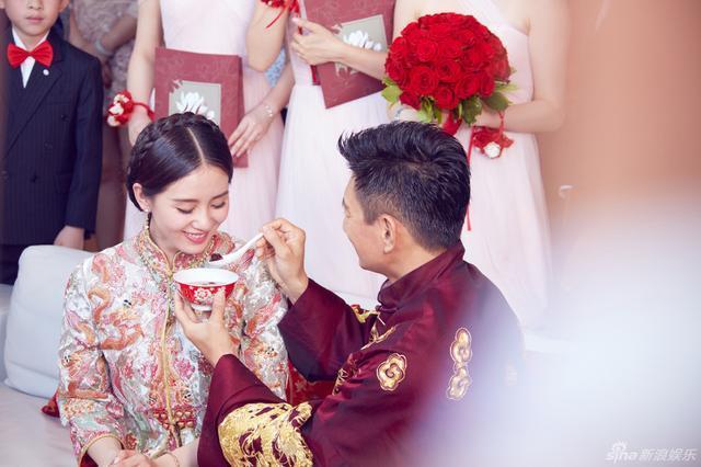 方媛陈妍希刘诗诗婚礼都出现的中式编发教程, 女生都会用到的发型图片