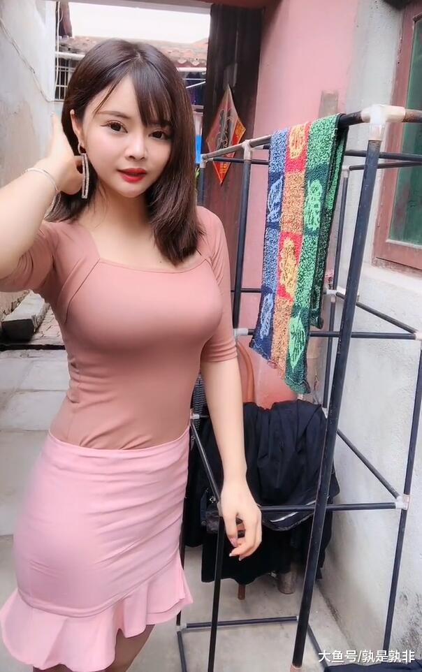 清新可人的时尚少女, 干活也能释放出女人味!  第4张
