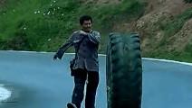 赵本山的演技真不是吹的,一个人,一个轮胎把一段戏演活了!