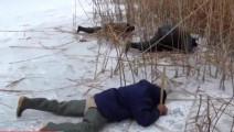 钓鱼_这样趴在冰面上钓鱼,你一定没见过。