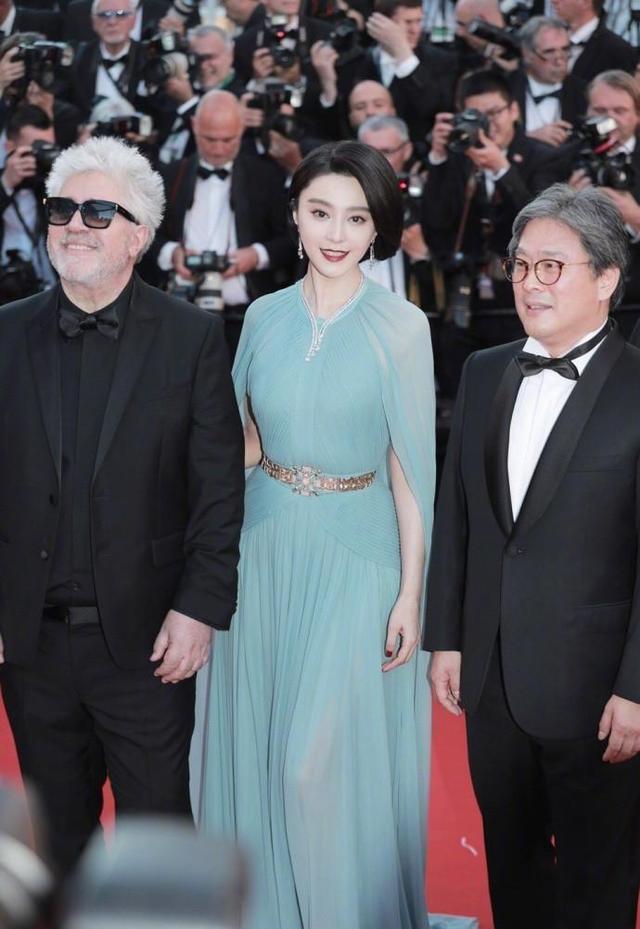 同穿百万礼服, 35岁范冰冰与39岁刘涛 差4岁颜值气质差真大 3