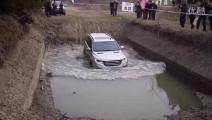 满载哈弗H9越野挑战涉水,看完后我直接去提车了!