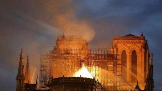 和圆明园相比, 也就是个院子 周立波嘲讽巴黎圣母院被烧,