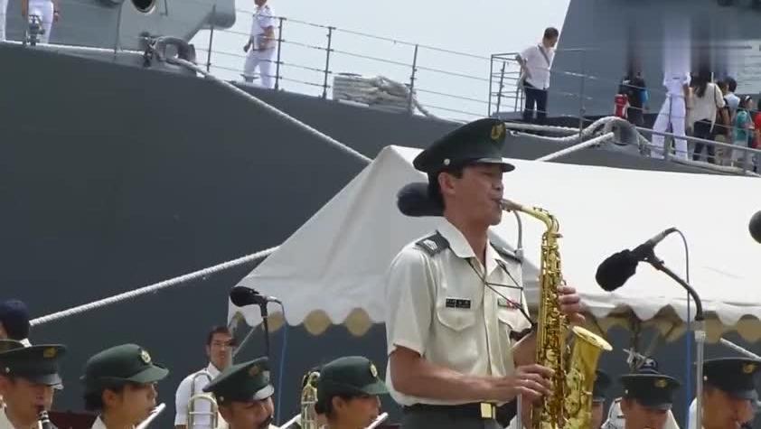 音乐响起就像要出人命日本自卫队竟演奏名侦探柯南主题曲