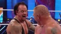 WWE布洛克嘲笑送葬者做仰卧起做 送葬者也嘲笑他 哈哈!
