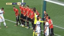 今夏最奇葩的任意球,球门线上站满了所有曼联球员,这样的场面还是第一次见!