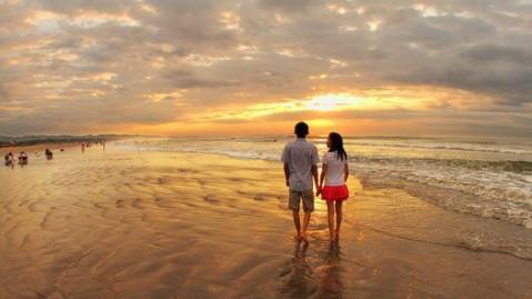 东沙湾度假村位于海山镇东南面的东港村海边,与南澳岛隔海相望,海岸线