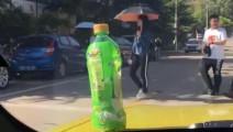 大学校园车上放瓶水这传言太离谱了吧!大哥亲自试了一下