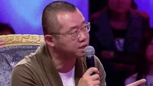 妈宝男吃饭都得让喂吓尿女友,涂磊: 亲嘴用你妈教吗?自力更生不会吗?