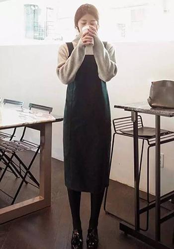 半身裙如何搭配_女生必备的背心裙该如何搭配?