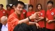 2005年打假球的徐亮被时任辽足董事长赵本山大骂的完整版高清视频