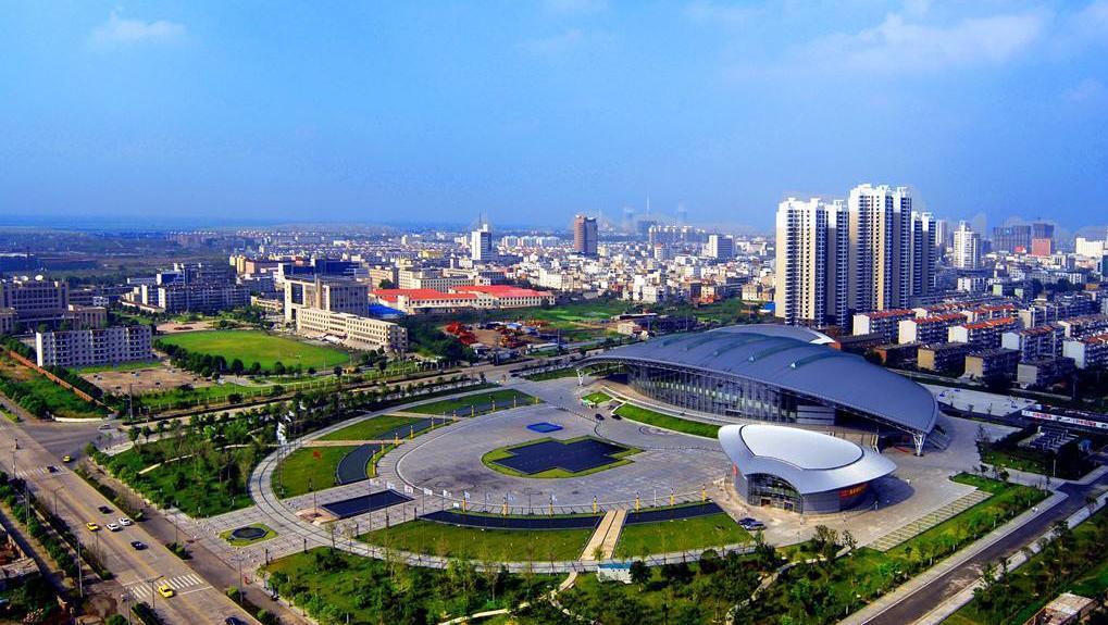 曾是中国的特大城市,和重庆、青岛齐名,如今仅为4线城市