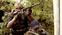 狙击手压阵团队围攻雇佣兵,视野可见的雇佣兵一枪一个!