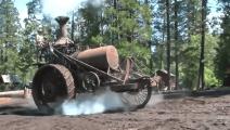"""100多年前耕地蒸汽拖拉机,看拖拉机要""""腾云驾雾""""了"""