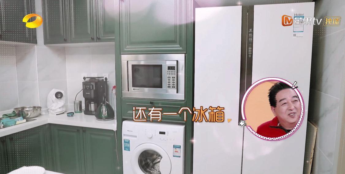 《我家那闺女》吴昕家曝光, 衣架放地上杂乱不堪, 3个冰箱成亮点(图9)