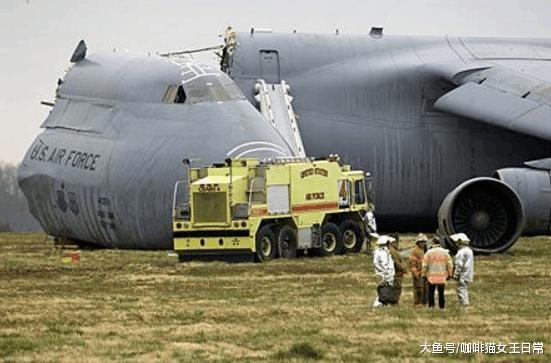 380吨运输机从600米高空砸向地面, 无伤亡, 是谁创造奇迹?