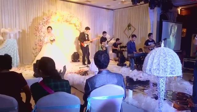 婚礼进行曲吉他谱 梦中的婚礼钢琴教学 视频处