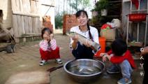 农村姑娘教你这样做,酸菜鱼新做法,好吃美味,一大盆美味
