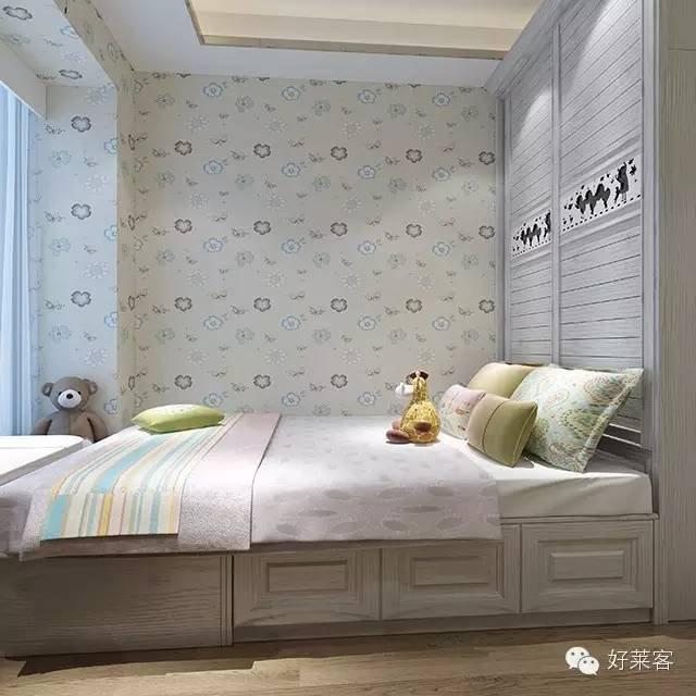 移门衣柜再与床成直角,衣柜既作收纳,又作床屏,起保护作用.   ◆