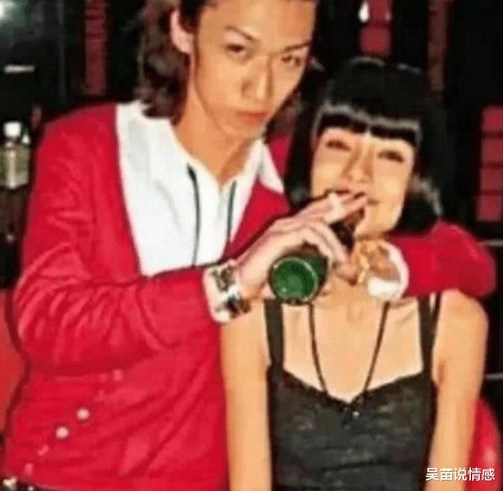 杨颖成名前有多惨? 曾在日本陪酒时被怼嘴, 酒瓶塞嘴都只能忍气吞声