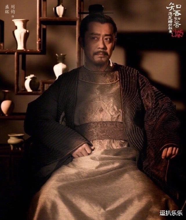 肖战这次算是被粉丝拖下水了,作为好友的王一博对这件事始终保持沉默,而刘均却发文要看下坠