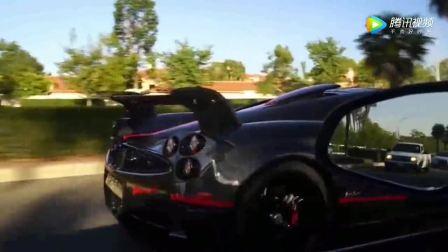 奥迪R8遇到了帕加尼,一脚油门霸气开始