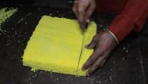印度街头海绵蛋糕,现做现烤的大蛋糕,看三哥如何一本正经做美食