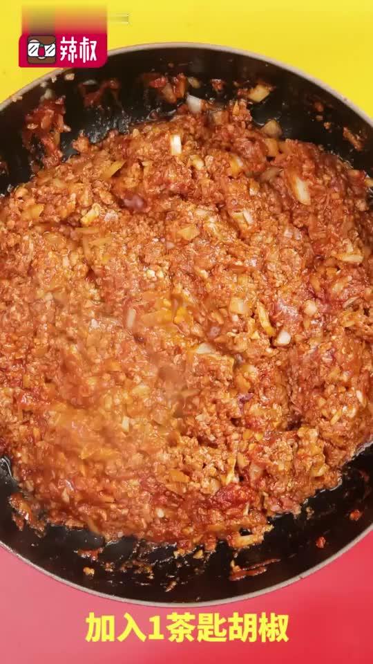 下午茶# 吃碗芝士面,增长知识面!浓稠酸甜的番茄肉酱搭配厚