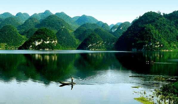 朱昌镇有水面约5平方公里,是百花湖风景区的主要开发区.百花湖距