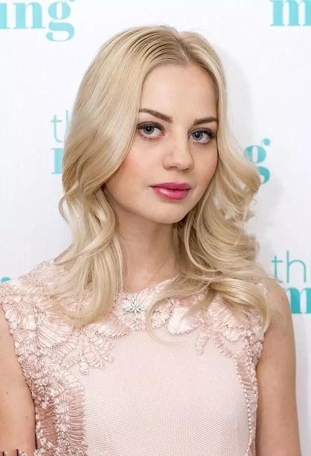 俄罗斯美女的发型分享展示