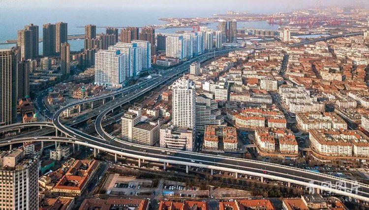 300米高空航拍新冠高架桥 这样的青岛惊艳了