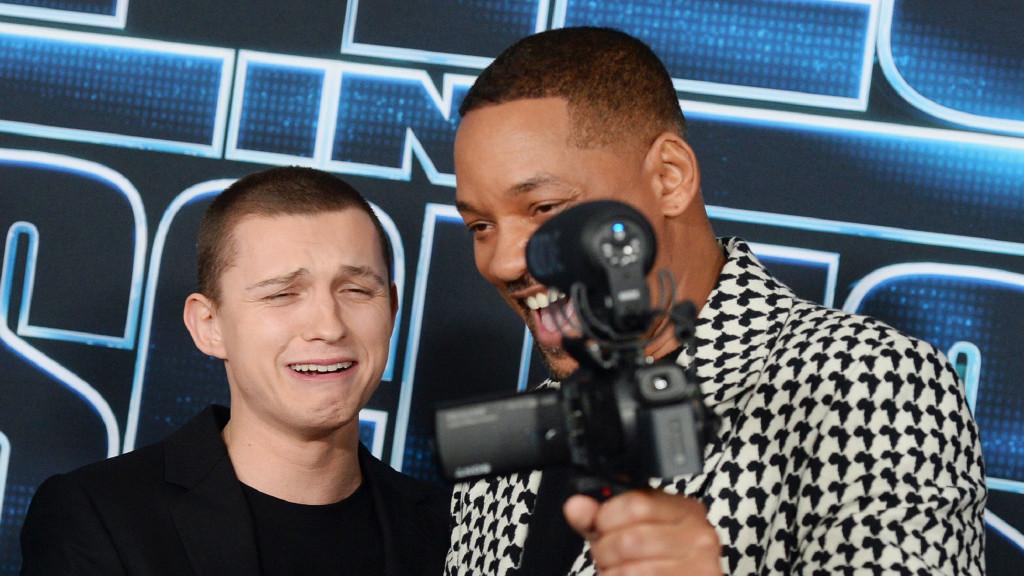 笑哭! 蜘蛛俠和威爾·史密斯搞笑搭檔, 換父子髮型還哭喪著臉合影