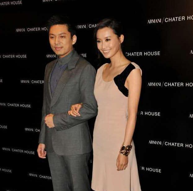 陈法拉37岁再婚, 未婚夫哈佛毕业曾任外交官, 前夫却错失20亿身家(图6)
