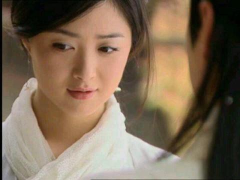 女苑 出自:《仙剑奇侠传一》 本是一个狐妖,却爱上一个人类,最后双双