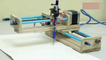 牛人教你制作一台打印画图机,插上数据线就能用太方便啦!
