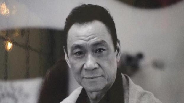 73岁老戏骨王学圻, 与结婚40年结发妻子离婚, 如今孤身一人!