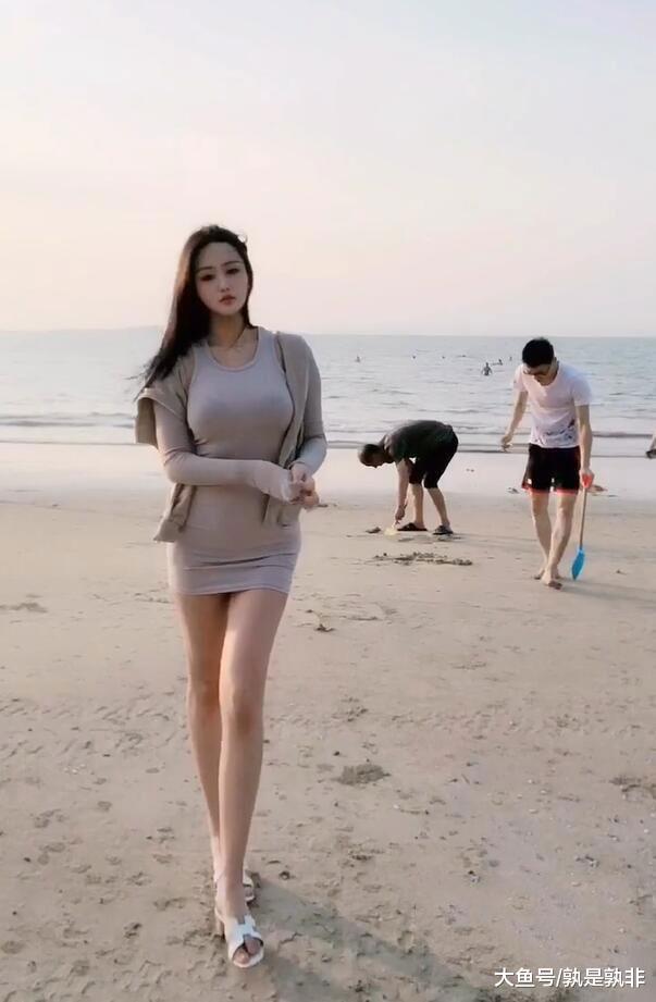 时尚美女,站在海边,一种独特的美景  第3张