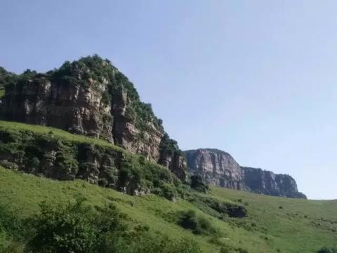 历山风景区,位于运城市垣曲县历山镇的东,南部,距离垣曲县城约25公里