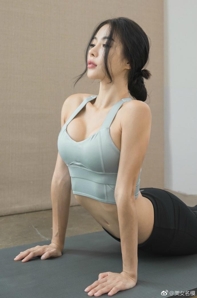 运动中的女人总是格外的迷人, 运动装功不可没