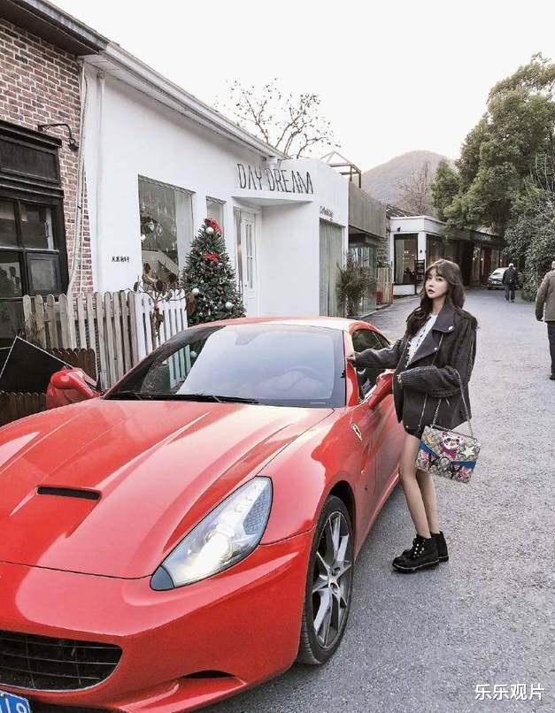 韓安冉又買700萬的超級豪車, 離婚後做單親媽媽的她超幸福-圖6