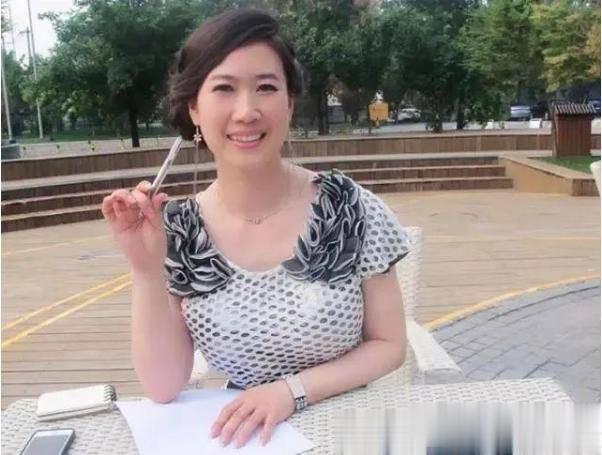 43歲芙蓉姐姐近照曝光, 曾是網紅鼻祖, 如今身價千萬氣質很優雅-圖7