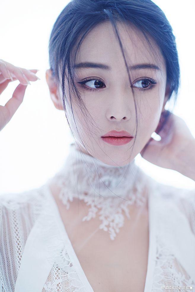 似仙女, 張馨予T臺秀, 藍色紗裙, 身姿曼妙, 她不僅迷人更勵志-圖3