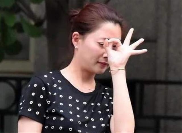 """丈夫入獄10年選擇離婚,緋聞導致她無戲可拍,今成瞭大滿貫""""視後""""-圖9"""