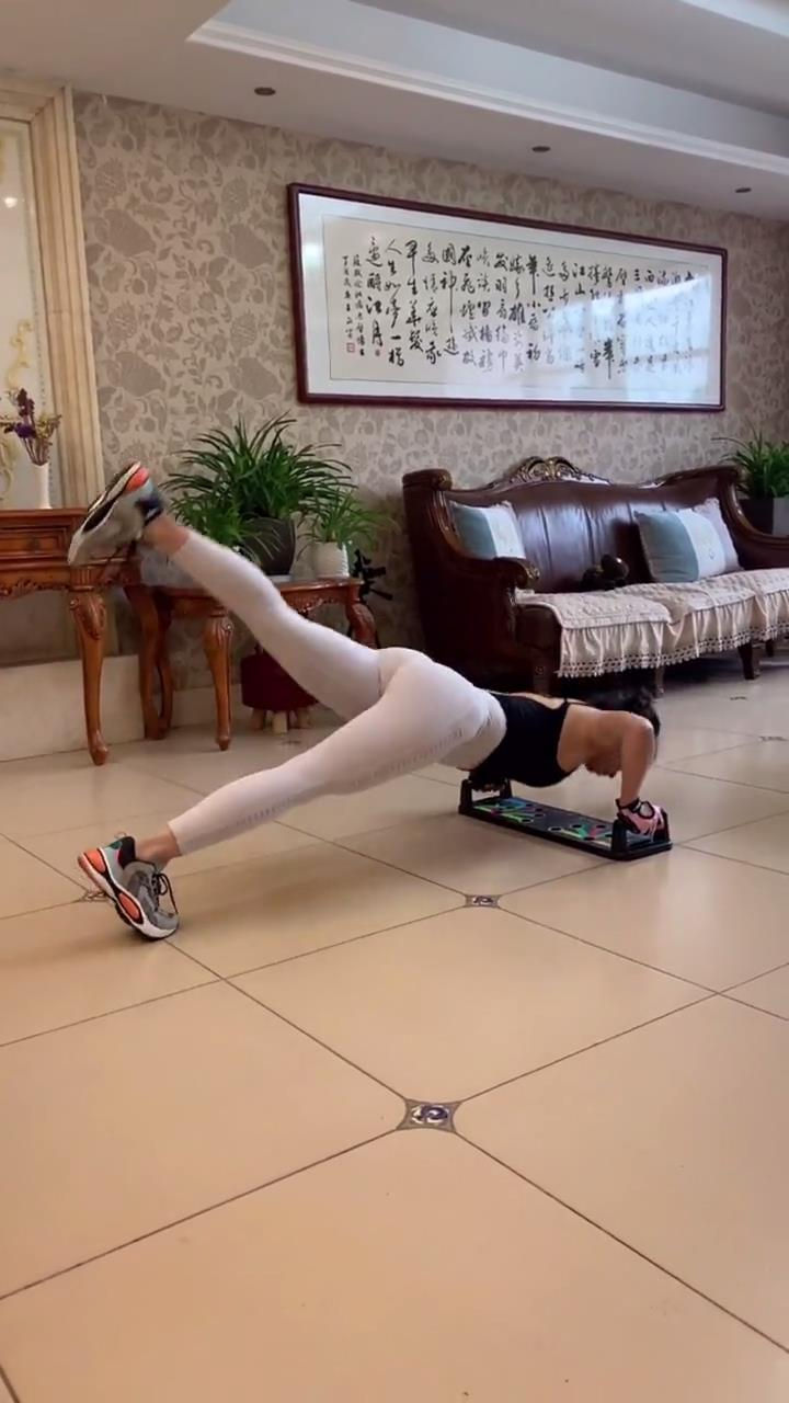 想知道腿部肌肉怎麼減下去嗎? 這套超全的拉伸動作, 15天練成筷子腿-圖9