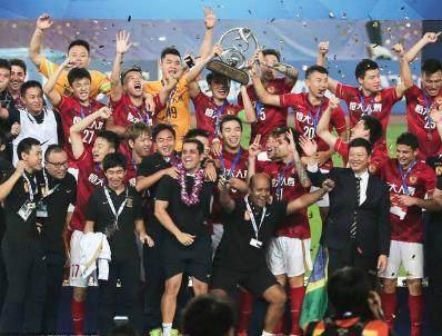 碾压死敌!广州恒大连续5年成亚冠冠军头号热门,上港老四!