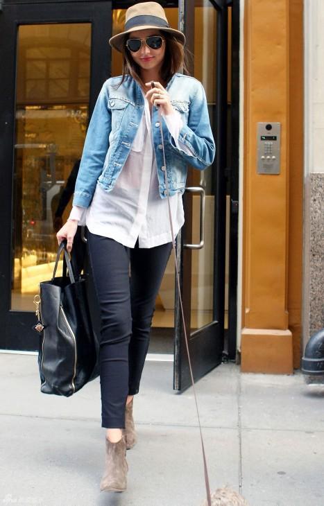 超模米兰达可儿宣布怀二胎, 辣妈时尚在她身上绝对是真理 7