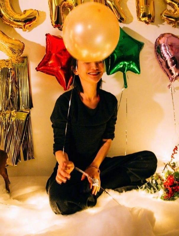 周迅46歲生日, 陳坤連續11年為其慶生, 盡顯數十年深厚友誼-圖2